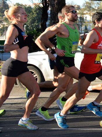La corredora escocesa Joasia Zakrzewski, durante la carrera
