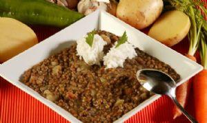 Un plato de lentejas con arroz es una buena fuente de proteínas