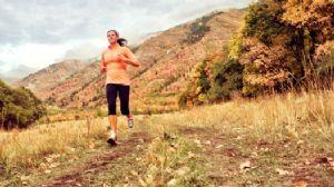 Tomar alimentos antioxidantes ayuda a los corredores