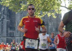 El corredor popular Alfonso Valenzuela, en plena carrera