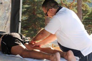 El masaje previo al ejercicio es beneficioso para el deportista