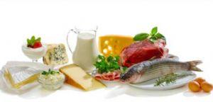Es importante evitar las grasas provenientes de la bollería y tomar alimentos saludables