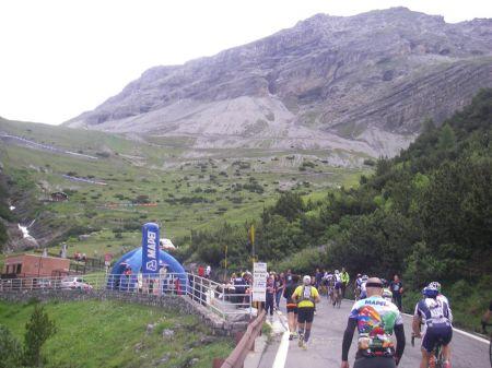 Corredores y ciclistas se unen en esta carrera que asciende al Stelvio