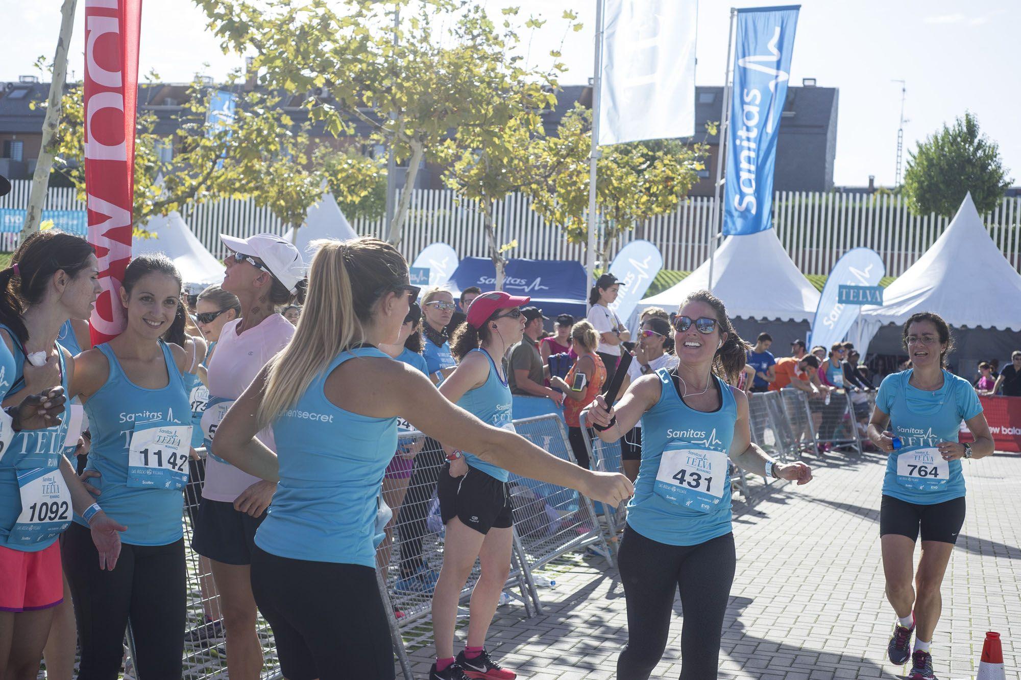 Más de 1.500 mujeres cambian tacones por deportivas en  Sanitas TELVA Running