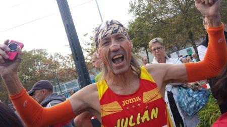 Julián Leva (Elliot), de Forofos del Runnig, antes de la Maratón de Frankfurt