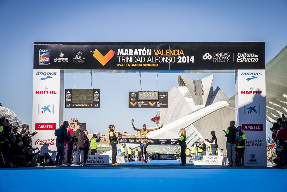 Jacob Kendagor consigue la victoria masculina con un tiempo de 2:08:39