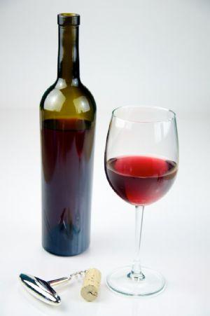 El corredor debe saber que el alcohol del vino deshidrata, por lo que no debe excederse en su consumo