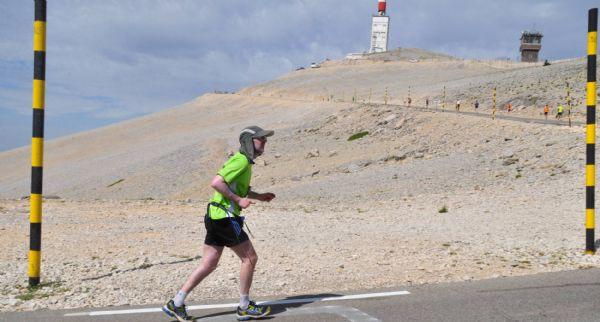 Jorge González de Matauco, en el último tramo de la La Media Maratón que asciende al Mont Ventoux