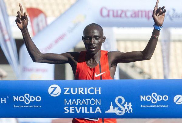 El keniata Lawrence Cherono, ganador de la Maratón de Sevilla 2015