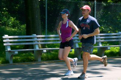 La dieta paleolítica tiene beneficios para el deportista, pero debe incluir otros alimentos para adaptarla al ejercicio