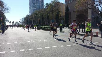 Los expertos recomiendan siempre salir más suave en la Maratón para acabar con más fuerza
