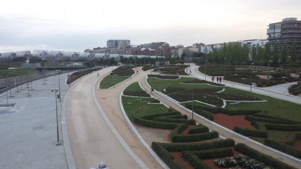 Madrid Río se ha convertido en uno de los lugares preferidos para pasear y correr en la capital