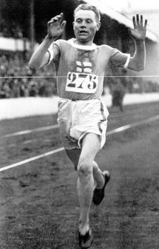 El corredor finlandés Paavo Nurmi