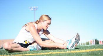 Estirar es parte fundamental del entrenamiento, una vez hemos acabado de correr