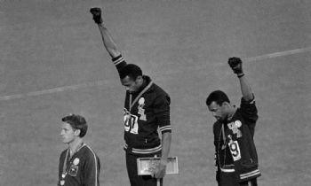 Tommie Smith y John Carlos, en los Juegos Olímpicos de 1968