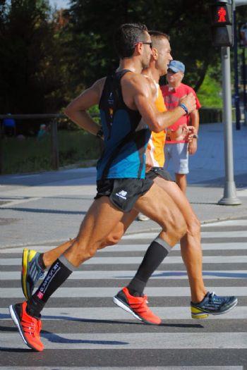 Álvaro Izquierdo, corredor popular, durante la Media Maratón de Valladolid