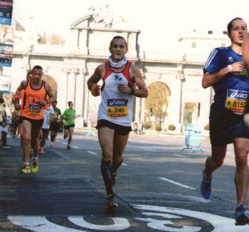 José Antonio Vallejo sigue corriendo después de que le pusieran un marcapasos