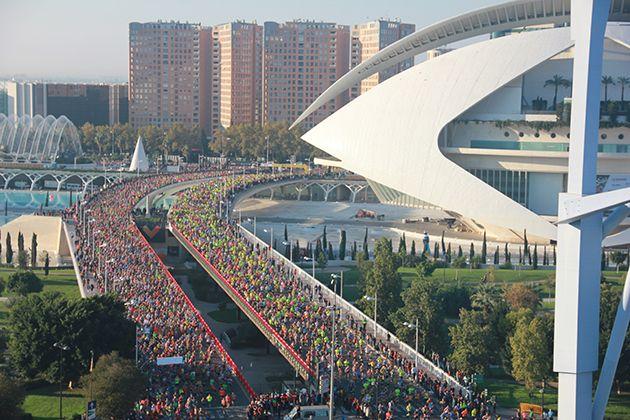 Valencia sale a animar en el Maratón más rápido y espectacular de la historia de España
