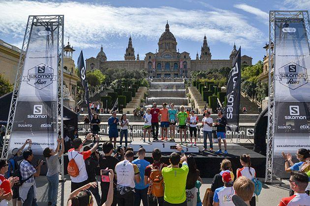 Los corredores, por el Poble Espanyol y con el skyline de Barcelona de fondo. Foto: Salomon Run Barcelona / Guillem Casanova