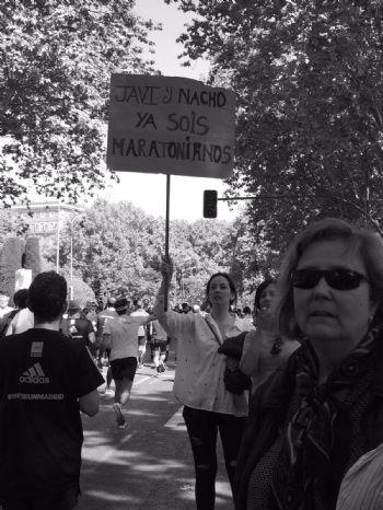 Uno de los muchos carteles de ánimo a los corredores en el maratón - FOTO: Alicia Calvete