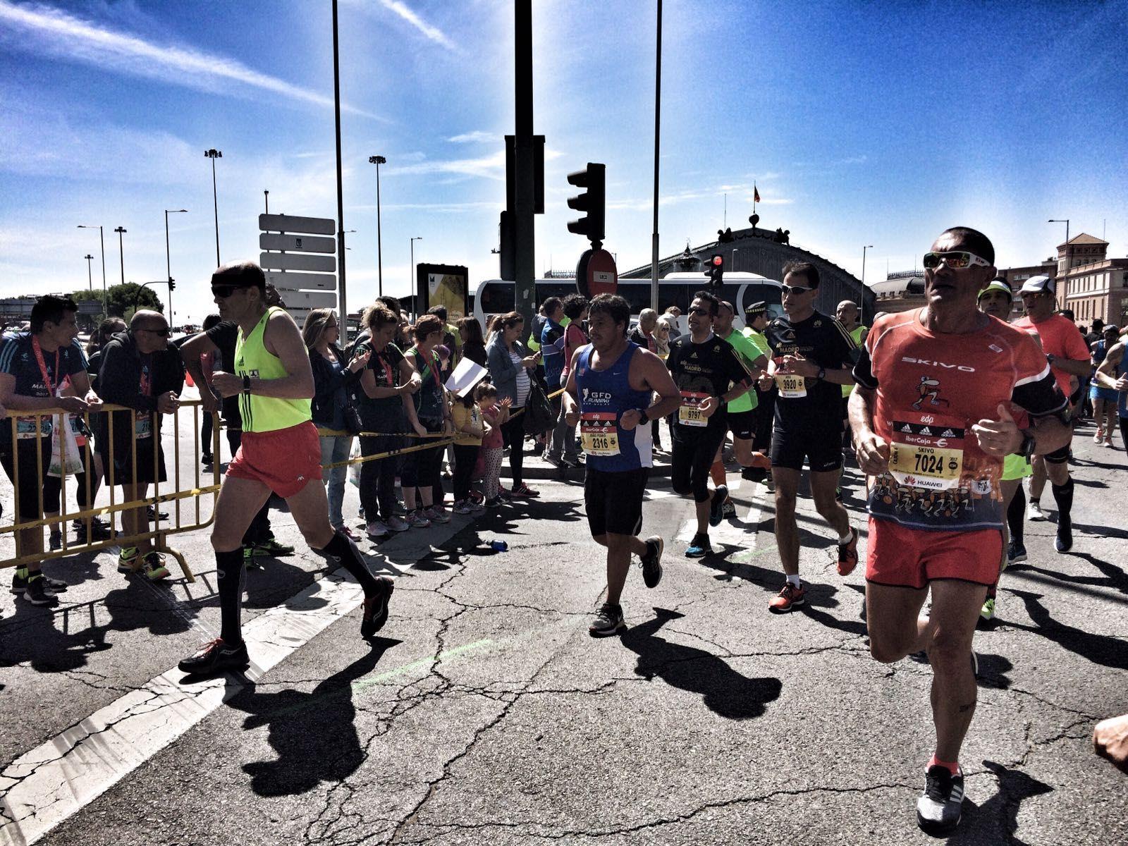 Corredores en el 40 Maratón de Madrid este domingo. FOTO: Alicia Calvete