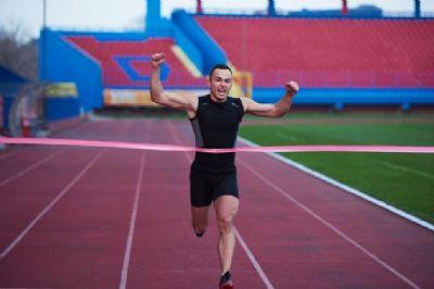 El amigo que no sabe correr lento siempre quiere superarse