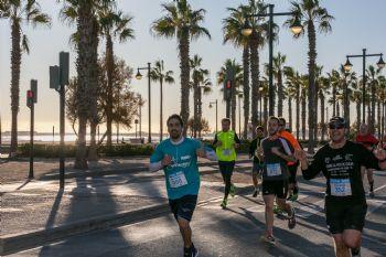 Un momento de la Sanitas Marca Running Series de Valencia en 2017