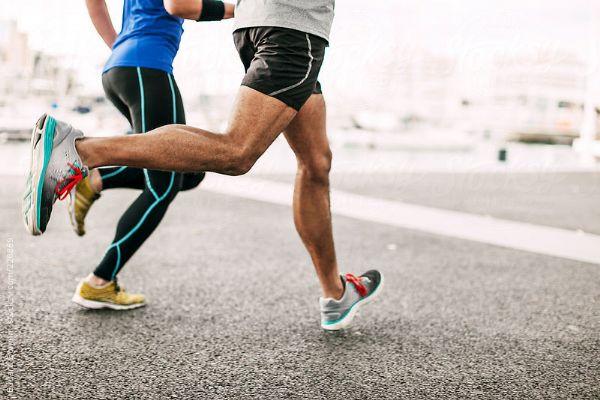 Correr mientras charlas con un amigo puede ser una buena terapia