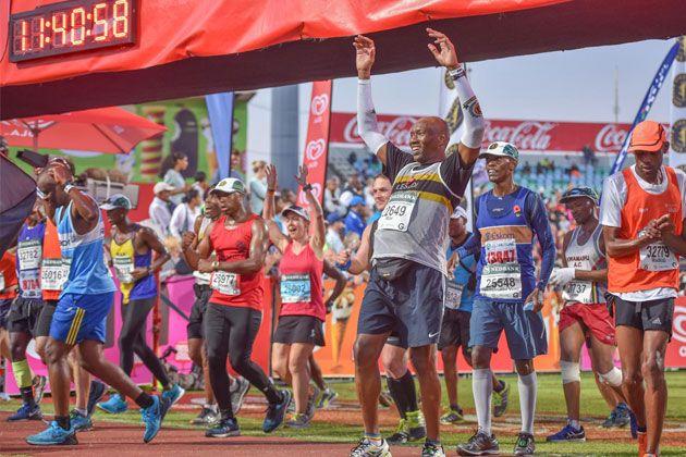 La Maratón Comrades es una ultramaratón de aproximadamente 90 km que se corre en la provincia de KwaZulu-Natal en Sudáfrica entre las ciudades de Durb