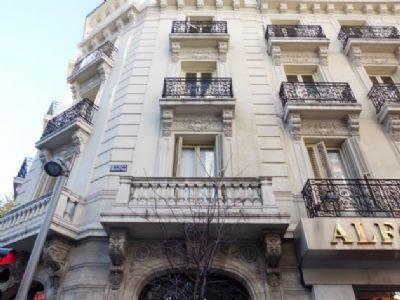 Calle Recoletos de Madrid, en el kilómetro 2 de la Carrera de la Ciencia