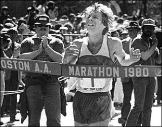 La genuina ganadora cortó la cinta de meta cuatro días más tarde, en un acto organizado por la carrera.