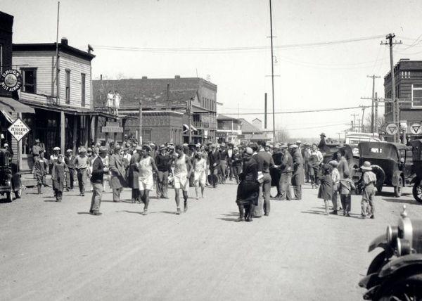 Una imagen de la primera edición del la Bunion Derby en 1928