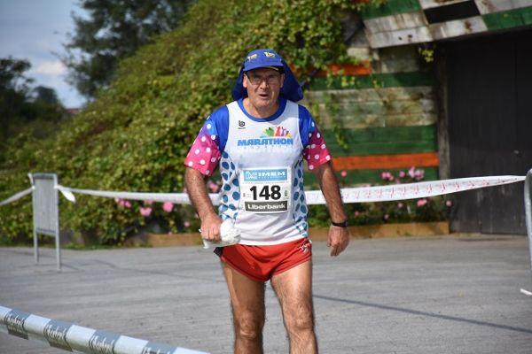 Santi Hitos, el corredor de los 300 maratones