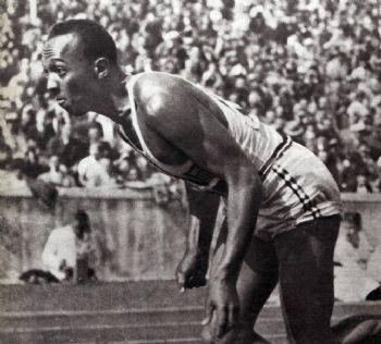 Jesse Owens en Berlín, en 1936