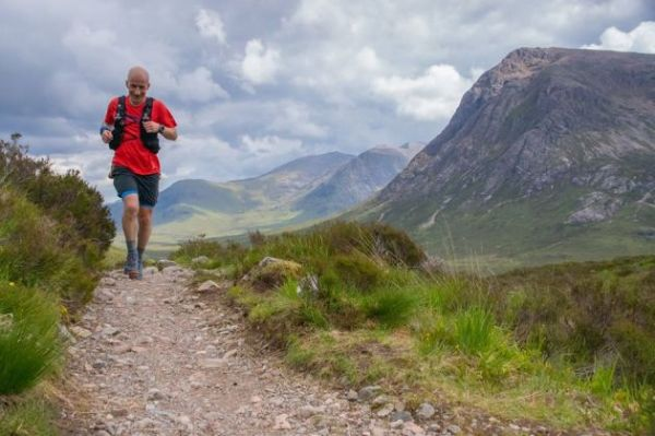 Un momento de la West Highland Way Race (Imagen: Clark Hamilton/Facebook de la carrera)