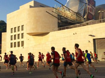 Uno de los escenarios del Bilbao City Marathon será el Museo Guggenheim