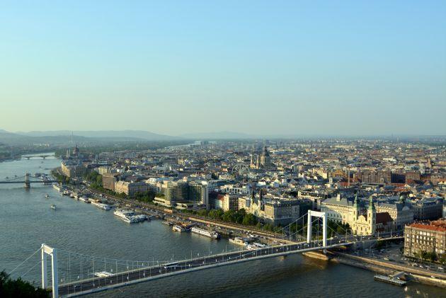 Vista de Budapest, con el Danubio atravesando la ciudad