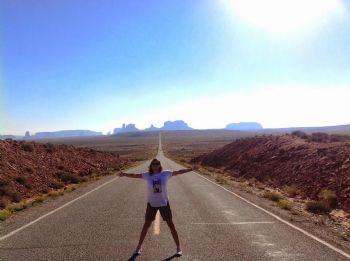 Carretera 163 en Monument Valley, lugar de peregrinación de los seguidores de la película