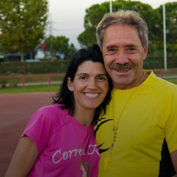 Ramiro Matamoros y la oncóloga Lucía González Cortijo