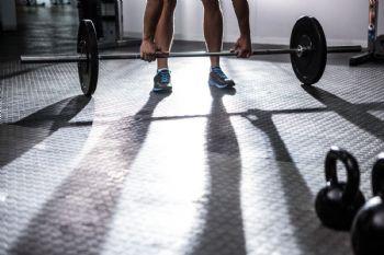 Es necesario tener cuidado en el gimnasio y adaptar el entrenamiento
