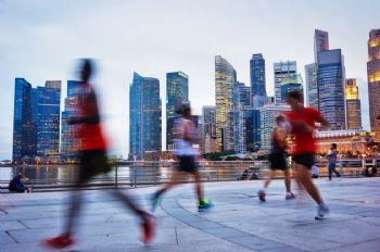 Un corredor que nos irrita, ese que cree que corre solo y molesta a los demás
