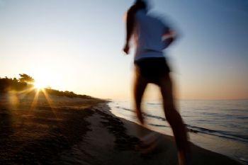 Para conocer qué significa correr es bueno recurrir al origen de la palabra
