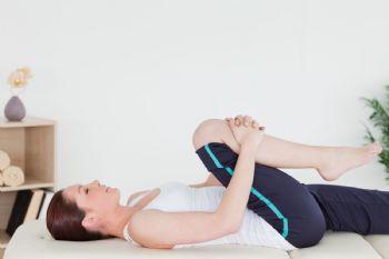 Los estiramientos no deben faltar después de cada rutina de ejercicios en casa