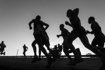 Nunca creas a un corredor en la salida de una carrera