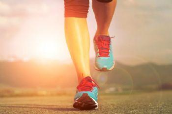 En el regreso a correr en la calle pueden surgir lesiones en los pies