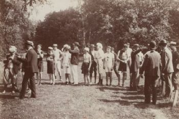 Momento de la salida de la maratón olímpica de París en 1900