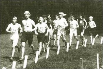 Un momento de la maratón olímpica de París en 1900