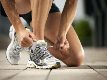 Algunos corredores guardan zapatillas como recuerdo