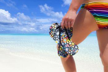 No es recomendable usar chanclas para dar largos paseos en verano