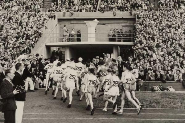 Salida del Maratón Olímpico de Londres en 1948, en el Estadio de Wembley